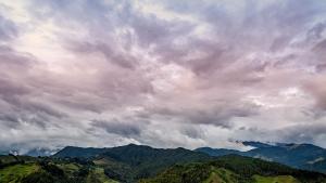 Fotografía de Miguel Portillo. Título: Detrás de las nubes
